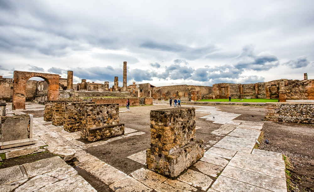 Did anyone survive in Pompeii?