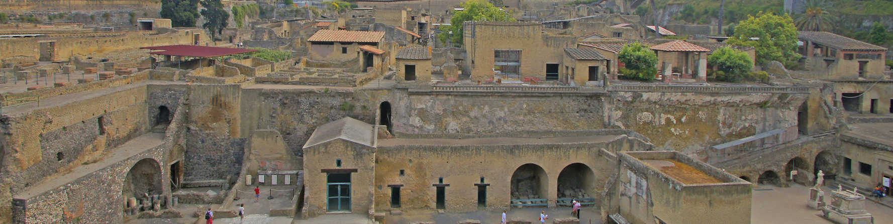 Pompeii vs Herculaneum – What's the Difference?