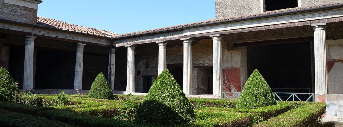 The Villas and Houses of Pompeii and Herculaneum