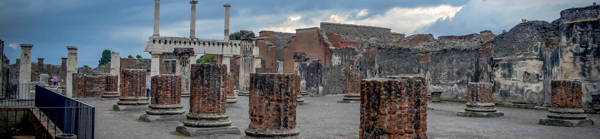 How much is a tour of Pompeii?